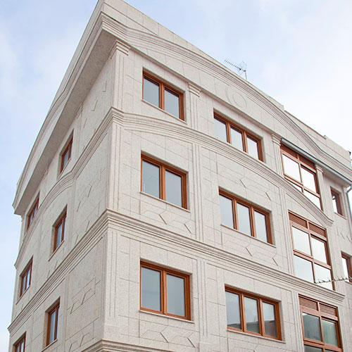 fachada piedra malpica